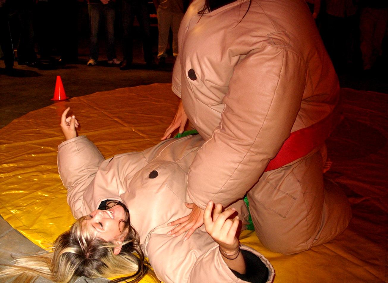 tournée des bars et défis insolites jeux paris activites vimigo sumo