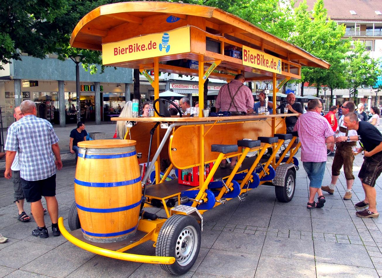 beer bike à berlin vélo bar bières activités berlin vimigo