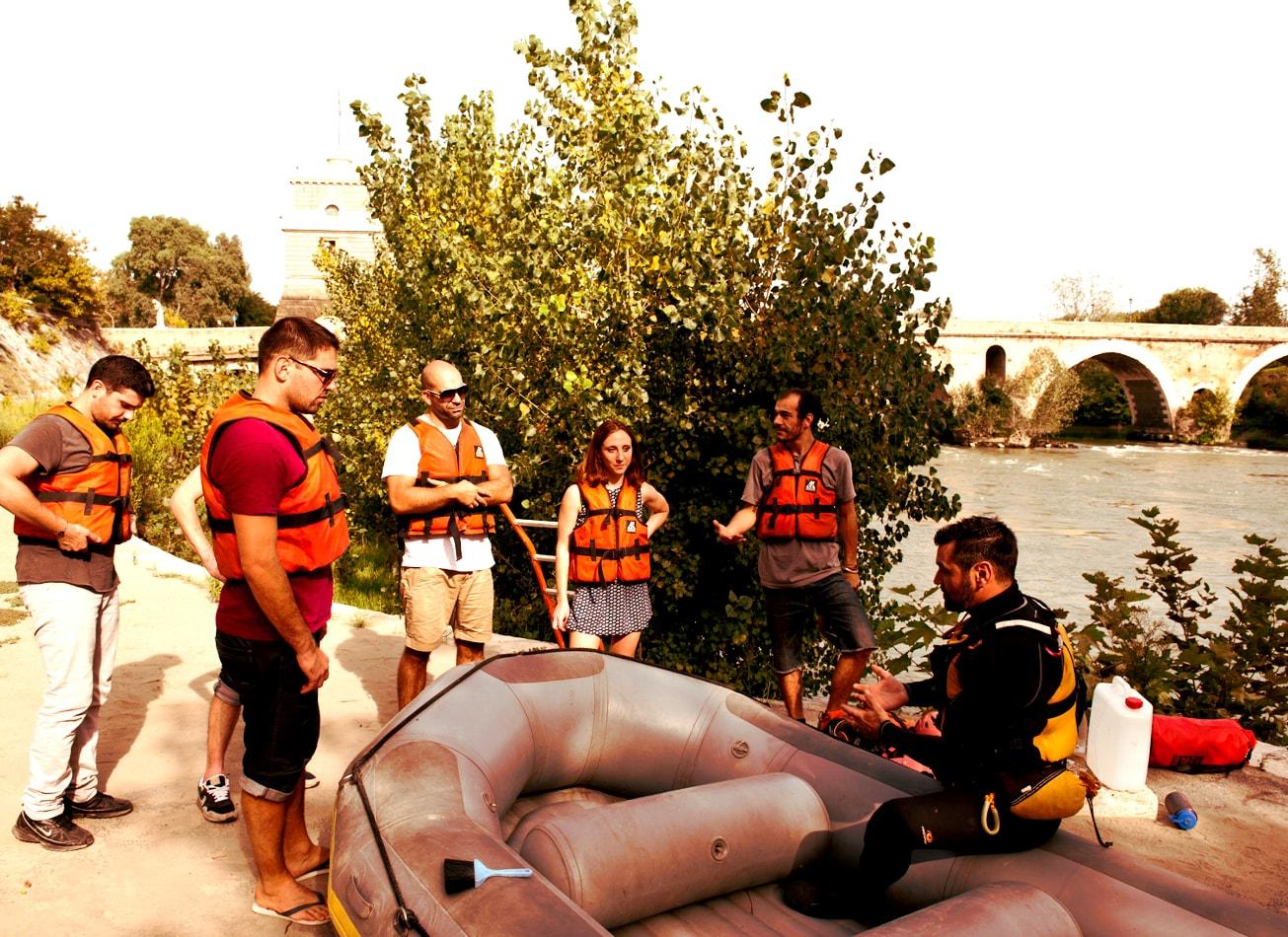 rafting sur le tibre fleuve rome activites vimigo