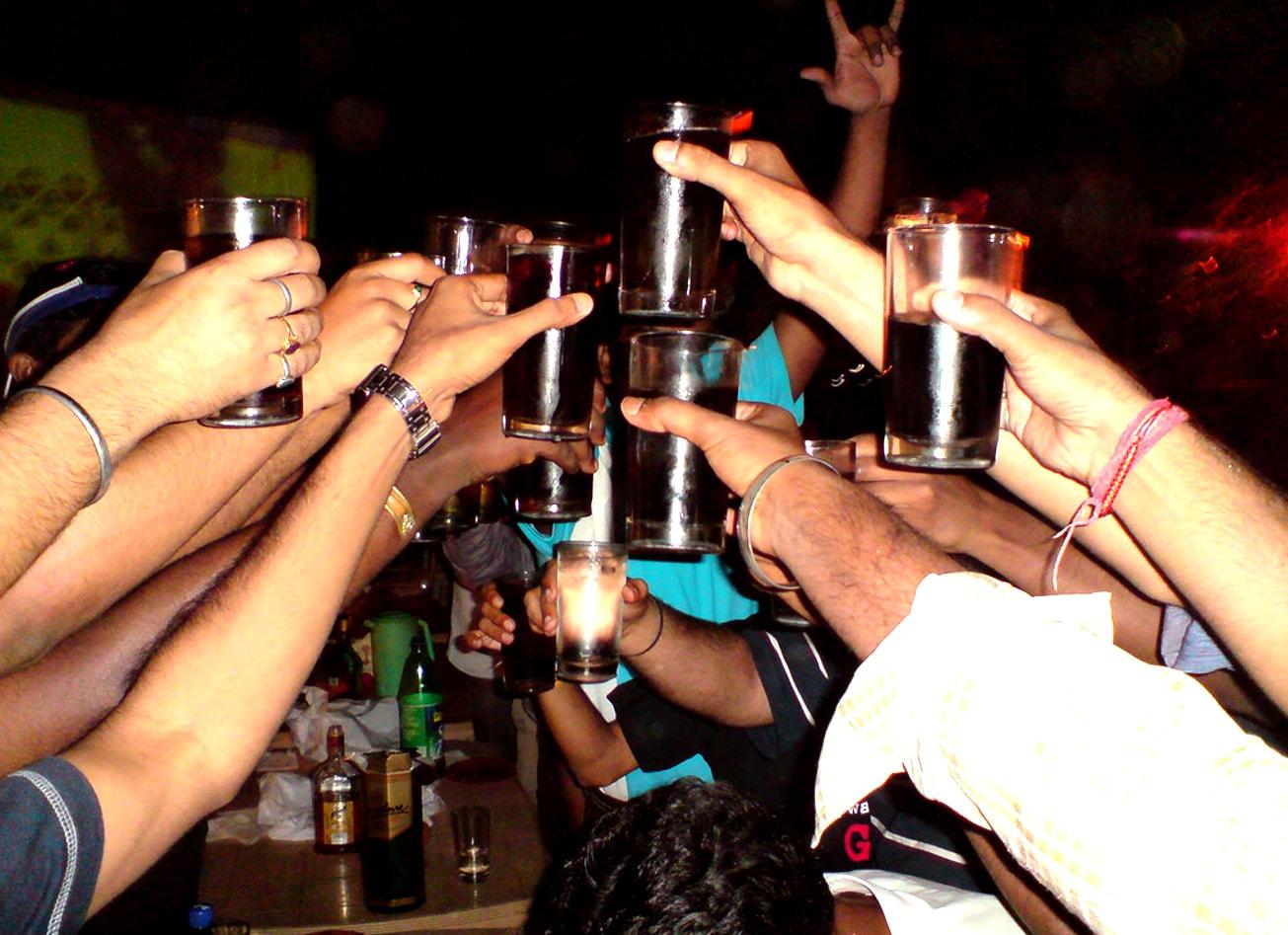 pack soirée bars strip club boite de nuit club budapest vimigo activites