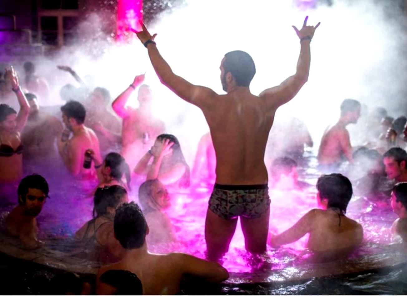 spa party fête thermes szechenyi budapest activites vimigo