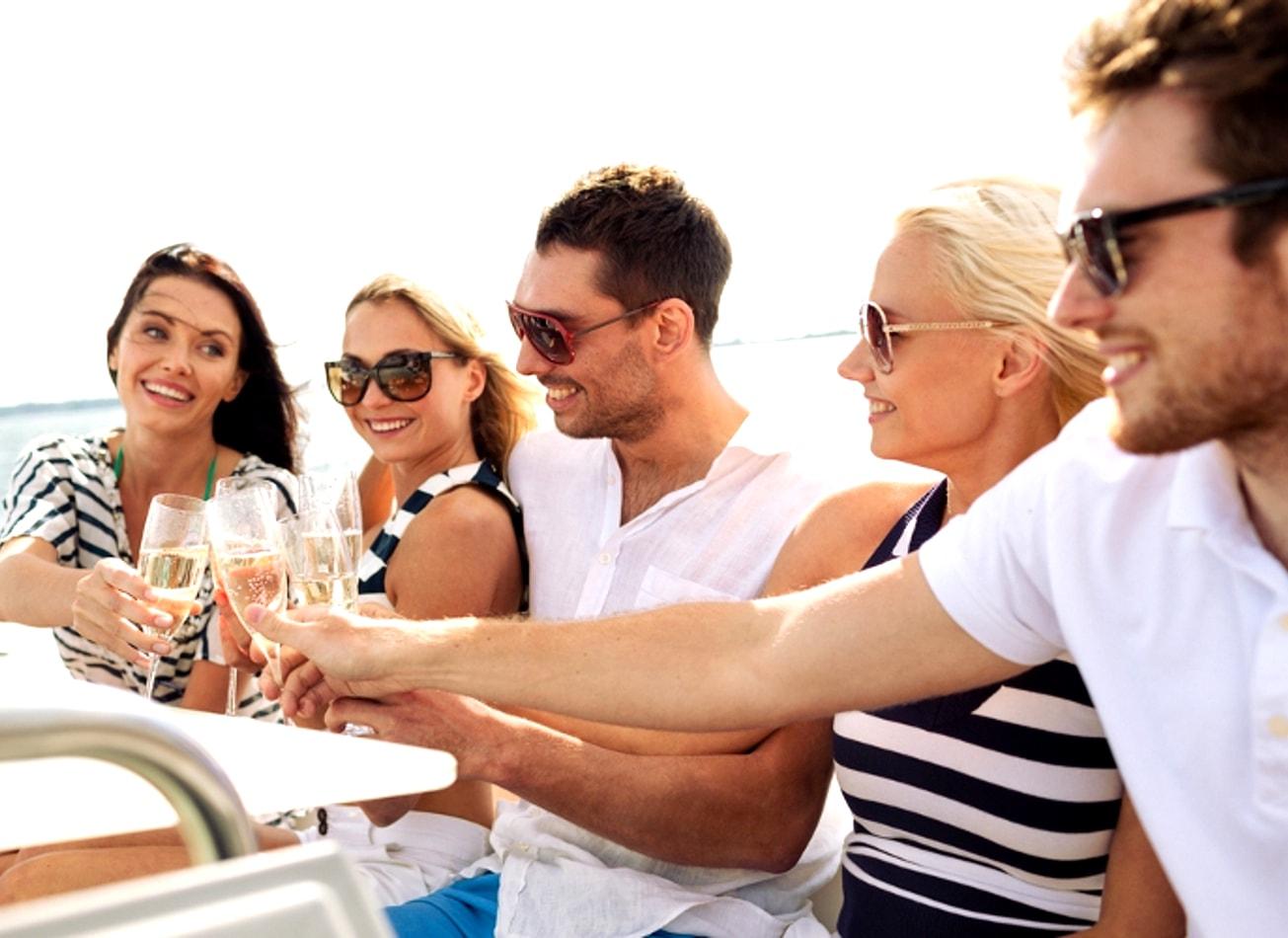 croisière apéritif boat apero bouteilles lyon activites vimigo