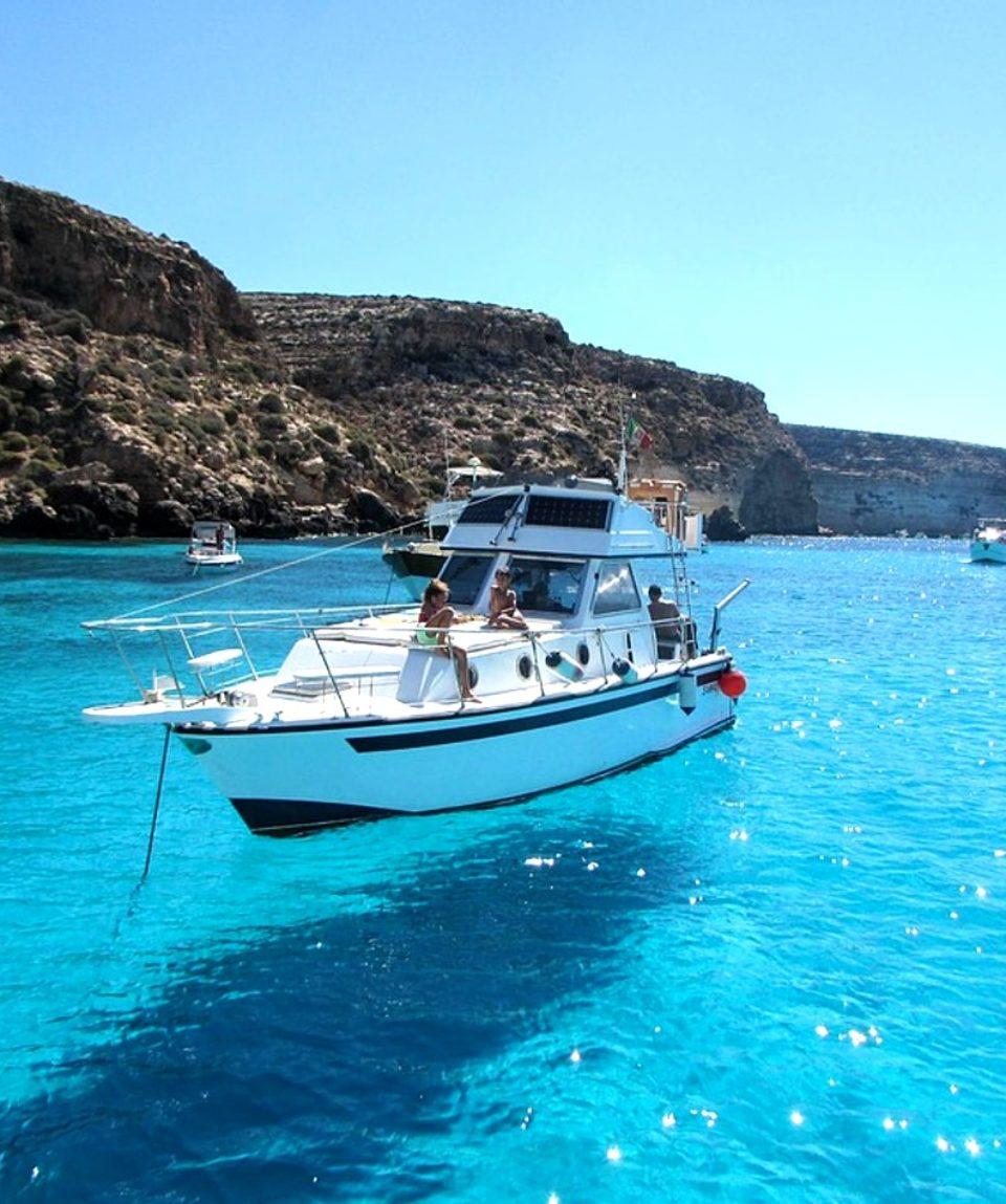 croisière VIP en bateau privatisé sur la mer Méditerranée nice activites vimigo