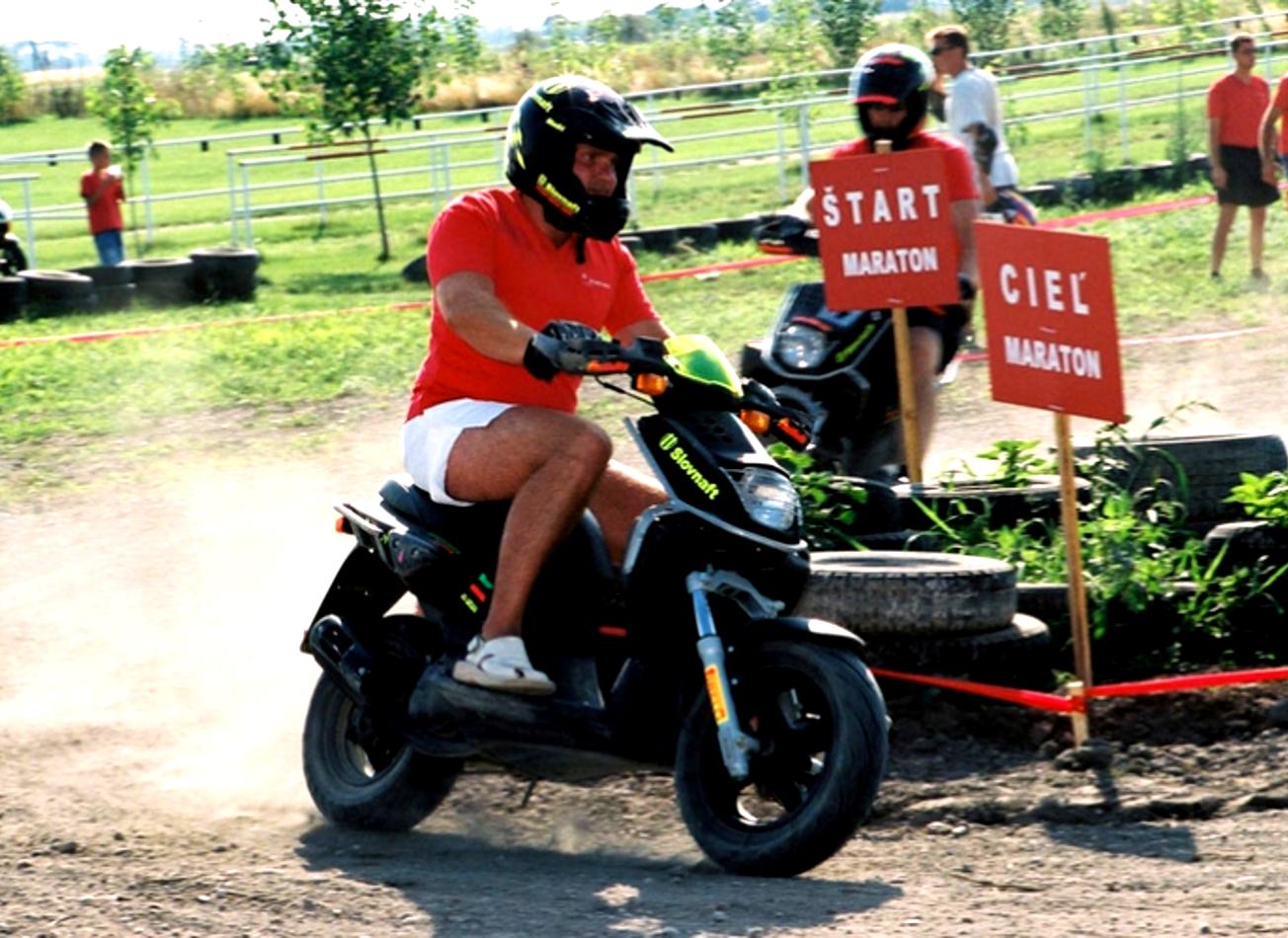 course de scooters bratislava activites vimigo