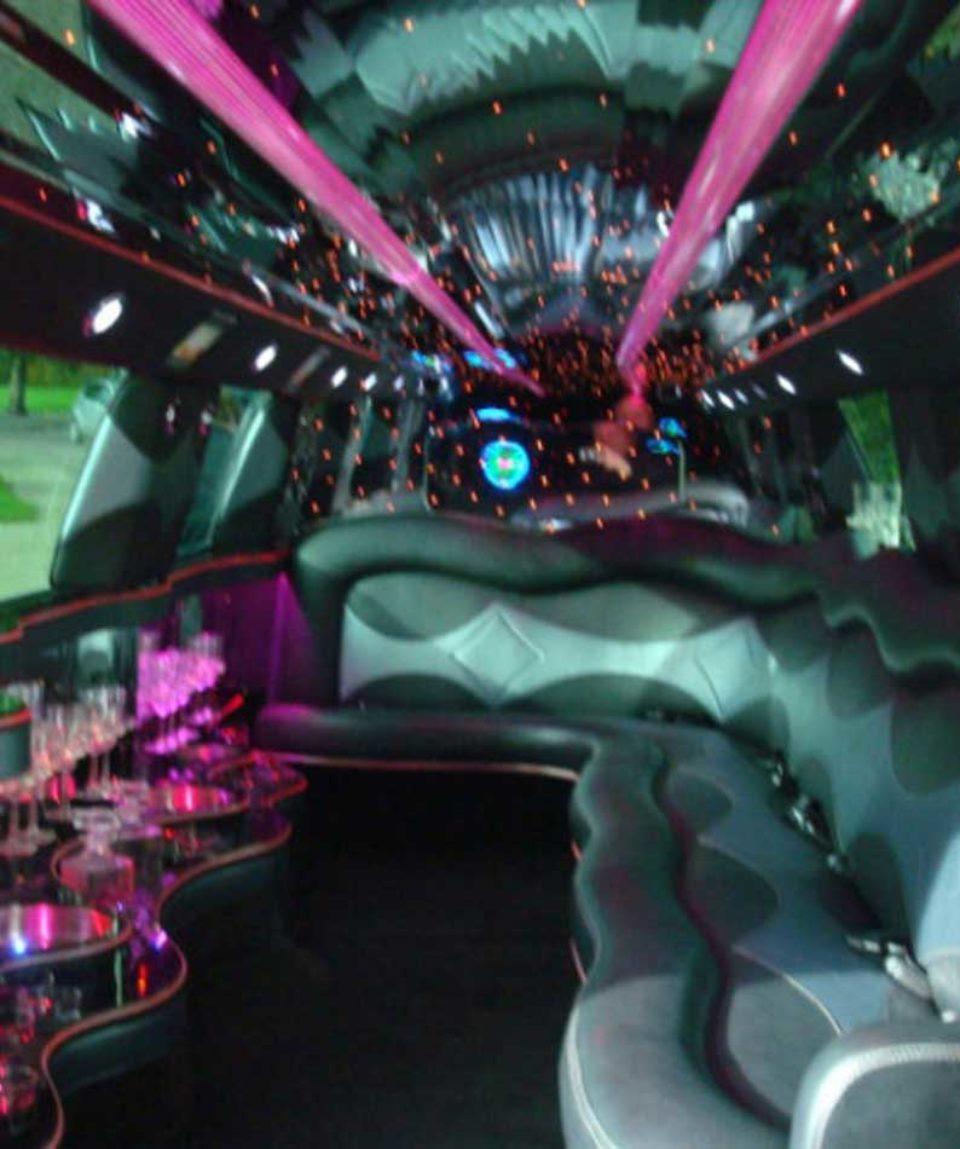 Vimigo-Bruxelles-Monster-limousine2